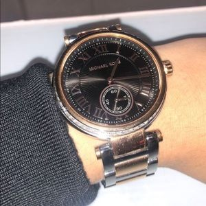 Michael kors unisex watch with extra links